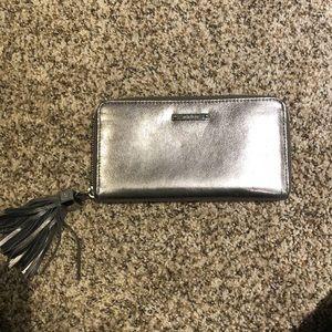 Stella & Dot Wallet Metallic / Black